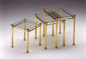 IONICA 674, Grupo de 3 mesas de café en latón pulido