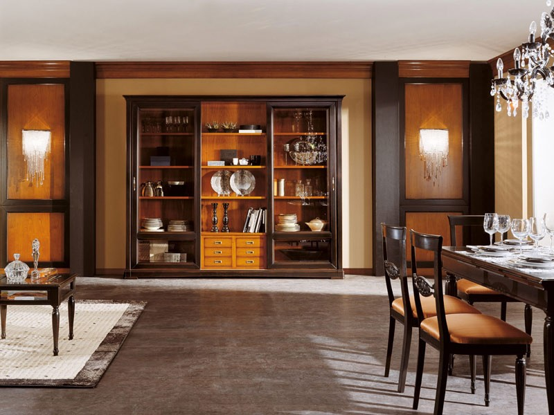 Art.105/L, Armario con puertas de vidrio y estantes de madera