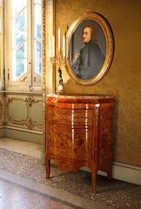 Art. 115, Pequeño armario con encimera de mármol.