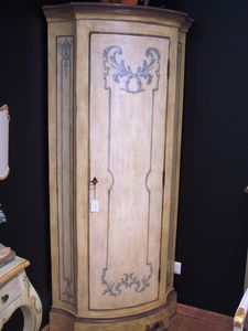 Art. 165, Armario angular en estilo provenzal