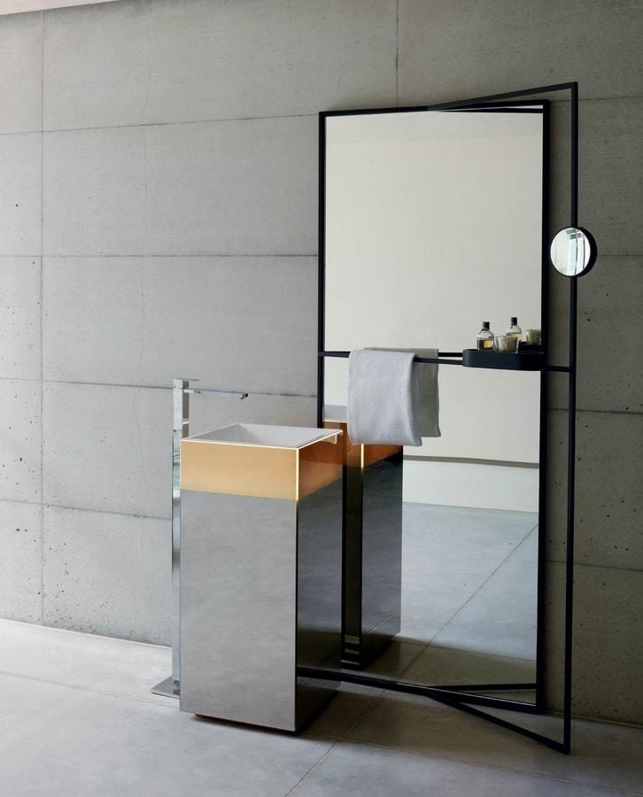 Upndino 421, Espejo y lavabo que ahorra espacio