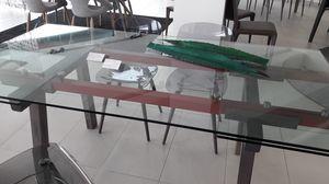 Tracks, Mesa de salida, con tapa de vidrio transparente extensible