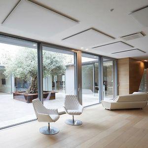 Oversize ceiling, Paneles de techo fonoabsorbentes