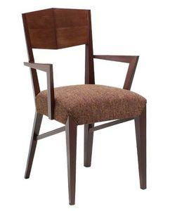 C29, Sillón de madera con los brazos, tapizados y cubiertas de asiento de tela, para hoteles y restaurantes