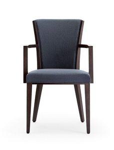 C42, Sillón con brazos en madera, asiento y respaldo tapizados, cubierto de tela, por contrato y uso doméstico