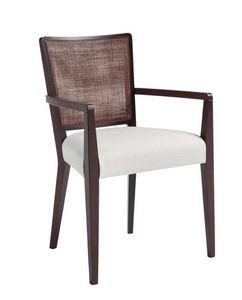 C39, Sillón con brazos de madera maciza, asiento tapizado y revestimiento de tela, respaldo de malla, para el uso del contrato