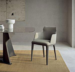 PO78 Shape sillón, Sillón con patas de madera