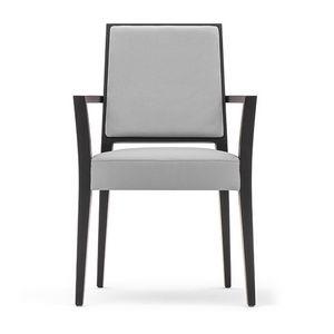 Timberly 01724, Sillón apilable con brazos, estructura de madera maciza, asiento y respaldo tapizados, asientos de tela extraíble, para los comedores