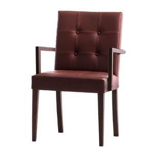 Zenith 01629X, Sillón con brazos con estructura de madera, asiento capitoné y respaldo tapizados, para los comedores