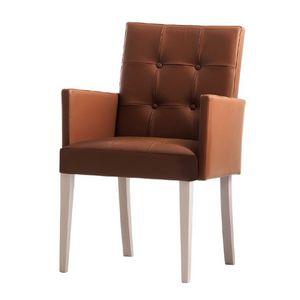 Zenith 01639X, Sillón con brazos con estructura de madera, asiento y respaldo tapizados, cubierta de cuero capitoné, por contrato y uso doméstico
