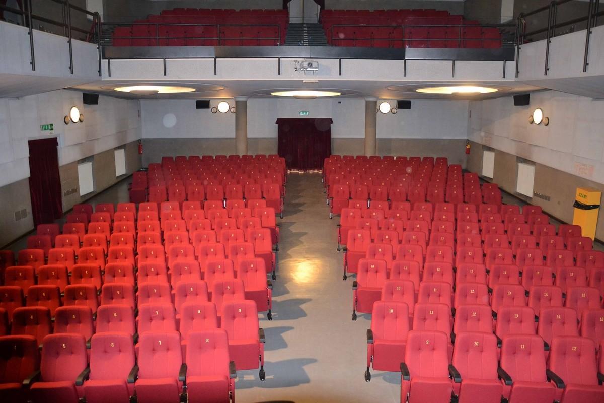 Simplex 1, Sillón modular tapizado para salas de cine