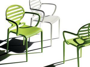 Cokka chair, Silla apilable con apoyabrazos, para al aire libre