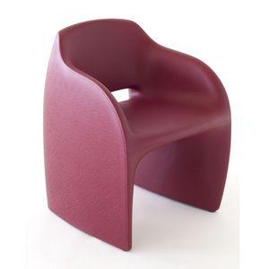 Lolly, Butaca en poliuretano ideal para entornos exteriores