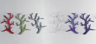 K122 tree, Perchas clother hechos de vidrio, en forma de árbol