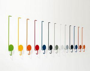 Sun, Ropa de colores perchas, en metal lacado, para ambientes modernos