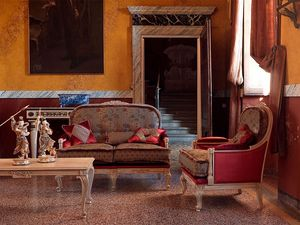 Ambra armchair, Sillón en madera decorado y patinado, con tallas