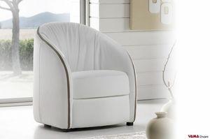 Free, Un sillón de bañera con un estilo moderno y sencillo.