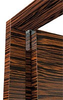 Brera, Puerta en madera de ébano, bisagras, puertas coplanares