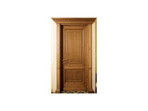 Firenze, Puerta se�orial con capiteles en madera maciza de roble, adecuados para los hoteles de lujo
