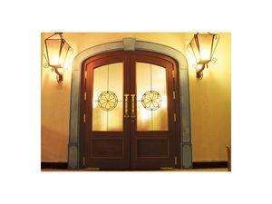 Imperiale, Puerta de entrada con vidrio inastillable, srtruttura madera maciza de roble, Piso Closers