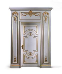P102 Puerta, Puerta de madera pintada de blanco, para el ingreso clásica