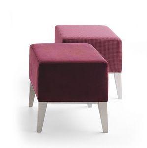 Newport 01871, Tapizado footstoo madera maciza