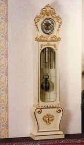 Art. 1068, Reloj de péndulo lacado, estilo barroco.