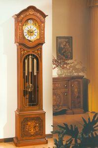 Art. 82, Reloj de péndulo con incrustaciones a mano.