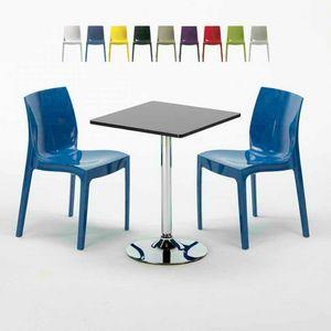 Mesa de centro cuadrada negra de 70x70 cm con 2 sillas de colores dentro de la barra ICE MOJITO, Conjunto exterior con mesa y sillas apilables.