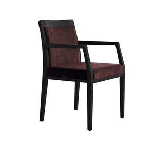 MP49EP, Cómoda silla acolchada, con base de madera
