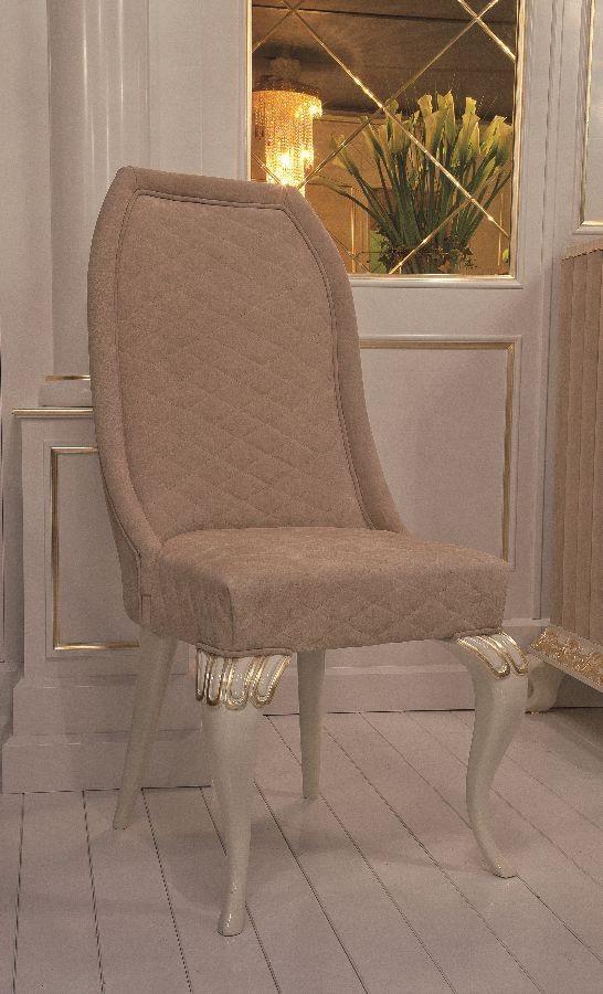 Art. 101, Silla de estilo clásico, cubierto de cuero de gamuza