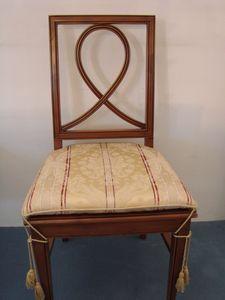 Art. 121, Silla de comedor con asiento acolchado