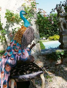 Paon Dorè, Silla con asiento acolchado y respaldo en forma de pavo real