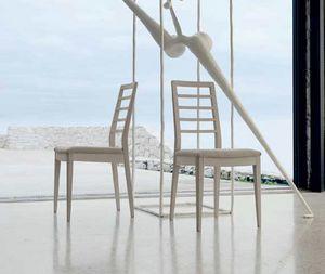 Dale Italia, Mesas y sillas