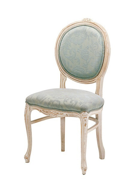 S05, Silla con base de madera de haya, tapizado, en estilo clásico