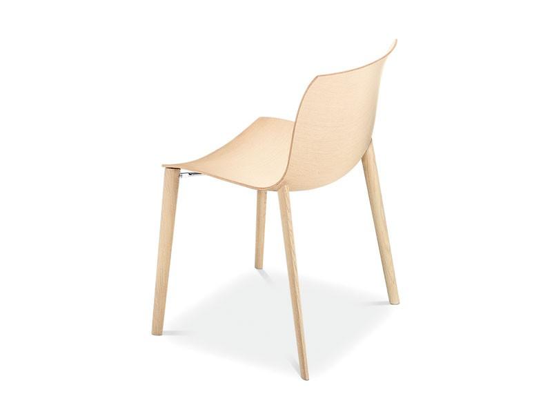 Catifa 53 4 legs wood, Diseño silla de madera, formas fluidas, para el uso del contrato