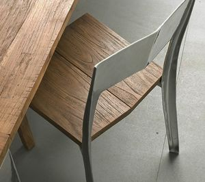 Noa, Silla maciza de teca y aluminio