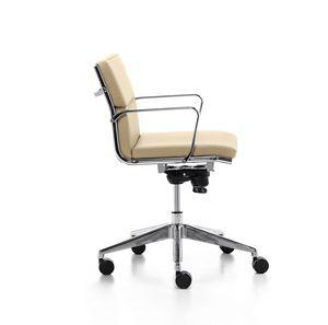 Aalborg Soft 02, Silla ejecutiva con mecanismo de inclinación, para la oficina