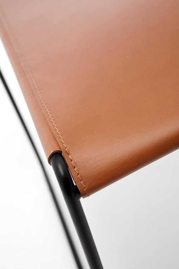Log leather, Sillas de metal, asiento y respaldo en cuero regenerado, de bar y restaurante