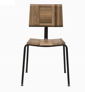 EAGLE A01, Silla apilable con asiento y respaldo de roble macizo.