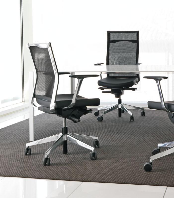 Kosmo mesh, De alto respaldo silla de Estudios Profesionales