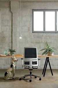 Omnia White 01, Silla de oficina con estructura blanca