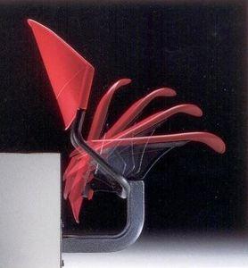 DELFI A086 F1, Silla fija a la pared, en el copolímero y el metal