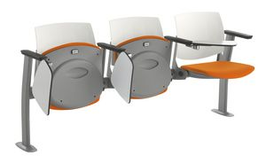 Q44 TIP-UP, Asiento con asiento abatible para aulas.