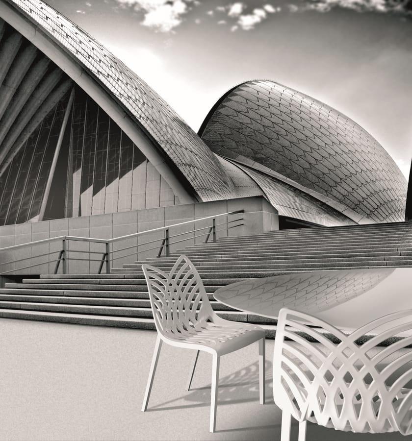 Opera, Silla de color en el polímero, para su uso en interiores y exteriores