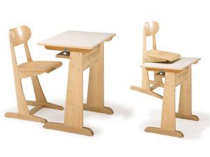 AULA, Silla y escritorio, hecho de madera de haya, para el jardín de infantes y la escuela