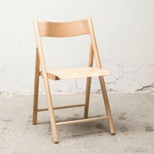 Silla 184, Silla plegable, hecha de madera