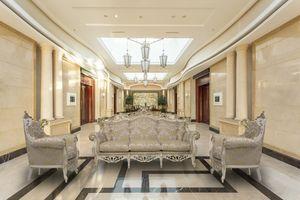Finlandia Sitting room's set, Sala de estar clásica con acabados en pan de oro