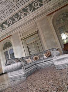 Gianna, Sofá rinconera tapizado en estilo clásico y lujoso