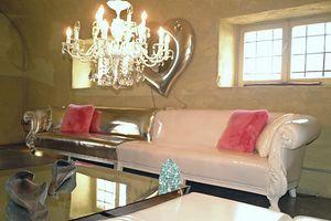 Queen modular, Sofá clásico con estructura de madera de haya maciza